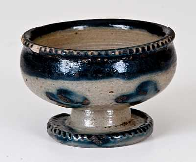 Very Fine New York Stoneware Master Salt w/ Coggled Edges and Cobalt Decoration