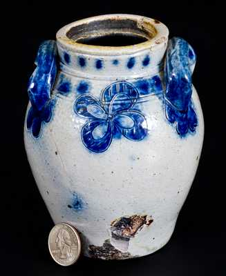 Very Fine Pint-Sized Stoneware Jar with Incised Decoration, New York State, circa 1820s