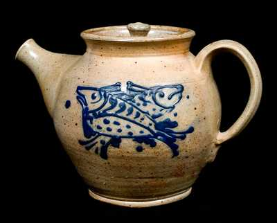 Diebboll Stoneware Teapot with Fish Decoration (Contemporary)