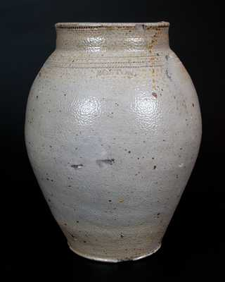 BOSTON Stoneware Jar with Coggled Lines and Iron-Oxide Dip, late 18th century